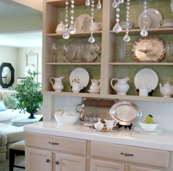 Cottage Kitchen Cabinets: Open Cabinets In A Cottage Kitchen