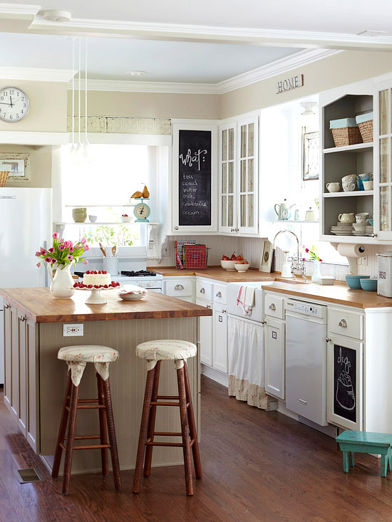 Cottage farmhouse kitchens inspiring in white fox for Diy small kitchen remodel