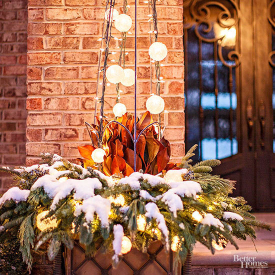 Globe Light Porch Planter Holiday Decor - Decorating With Urns {Christmas Edition}