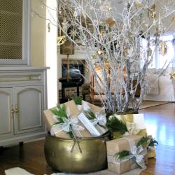 Cottage Christmas Elegance {a home tour}
