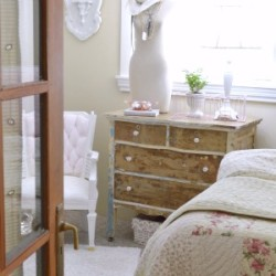 Shabby Vintage Cottage Bedroom