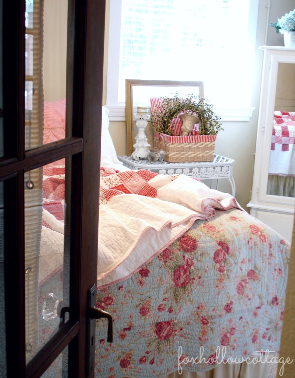 red and white cottage style bedroom tour
