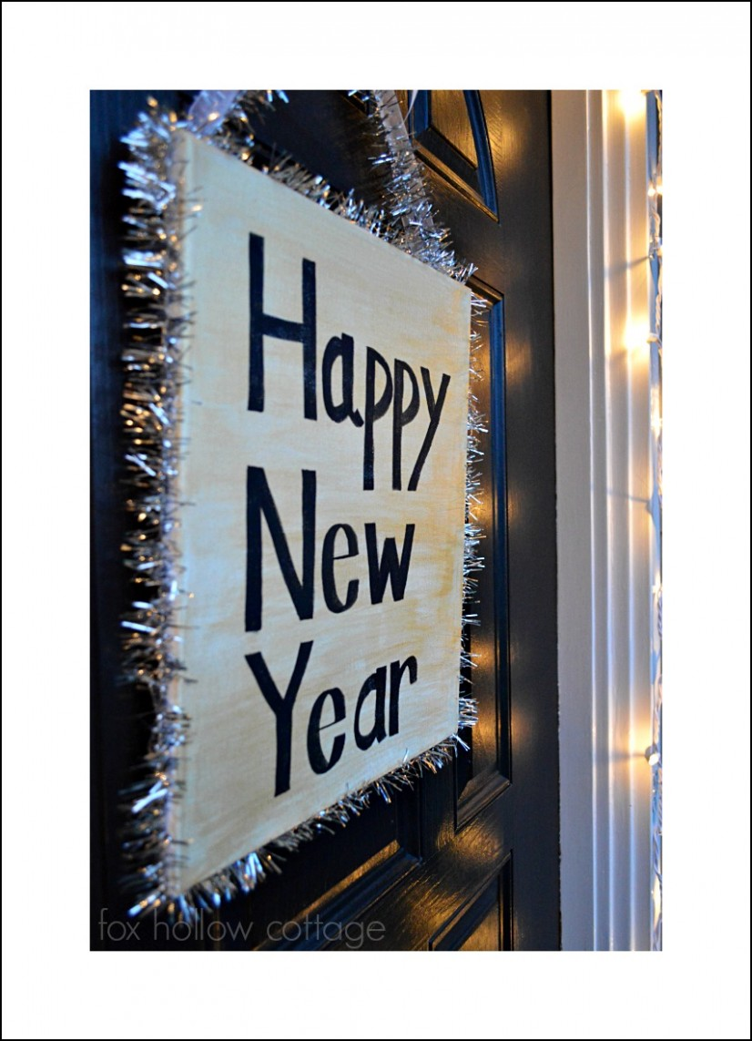 Happy New Year Diy Door Decor #decoratingidea #diycraft #newyearseve