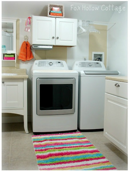 Powder half bathroom -Laundry room combination - Bright Summer decor