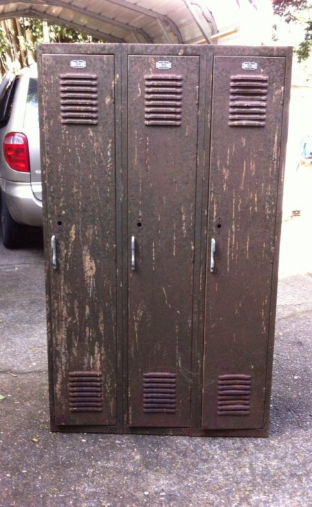 Vintage school gym lockers - before - teen boy bedroom makeover