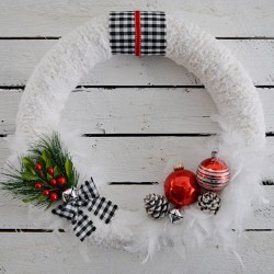 foxhollocottage.com DIY Christmas Holiday Wreath 2014