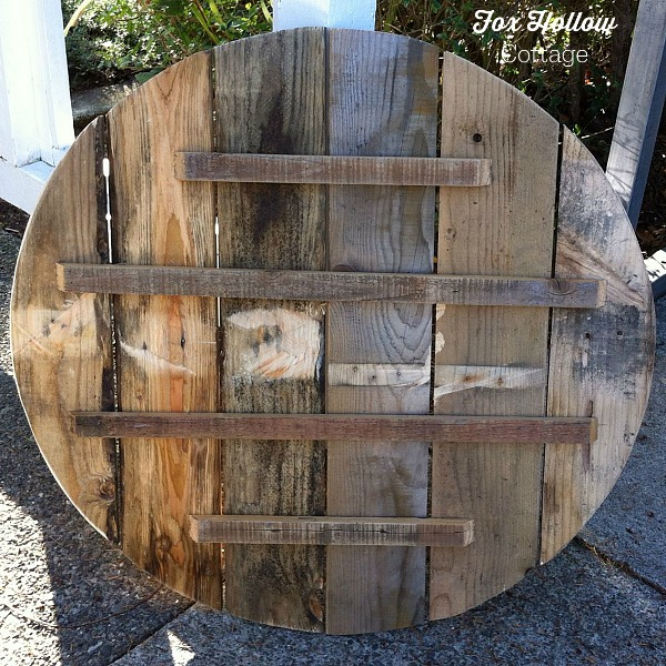 round pallet wood back