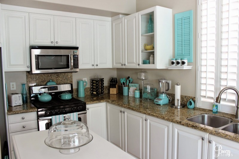DIY White painted kitchen, Coastal cottage style home decorating ideas. Aqua, turquoise