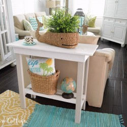 8 DIY Console Table Furniture Makeover with Americana Decor Chalky Paint