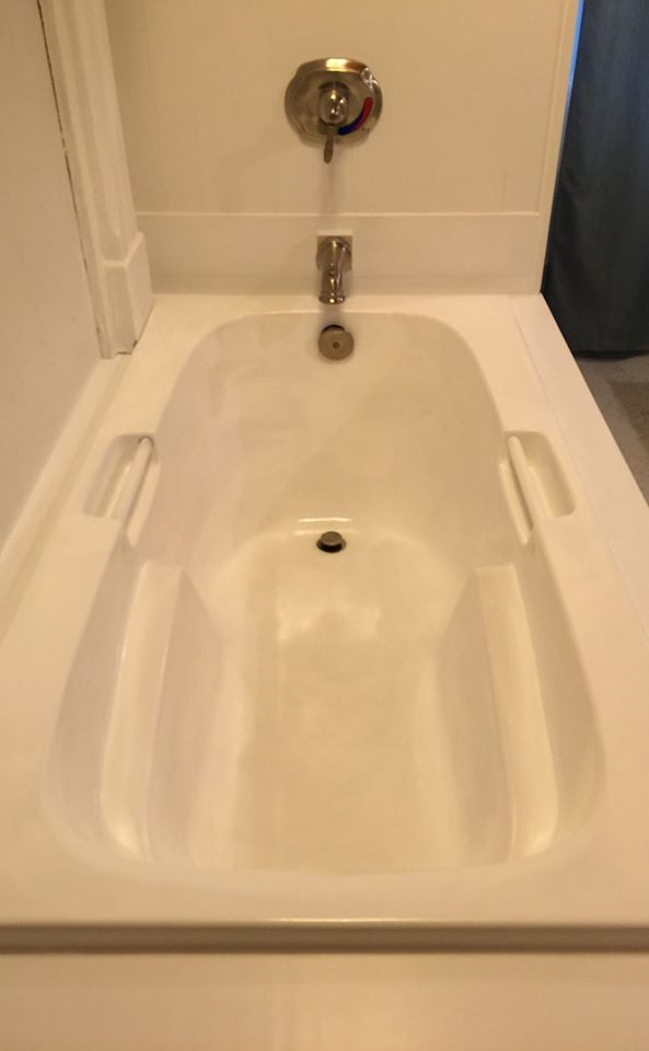 Great Bathtub Refinishers Thick Can U Paint A Bathtub Clean Paint Bath Tub How Do You Paint A Bathtub Old Can You Paint A Bath ColouredBathtub Reglazing Cost How To Makeover A Bathroom Without Remodeling