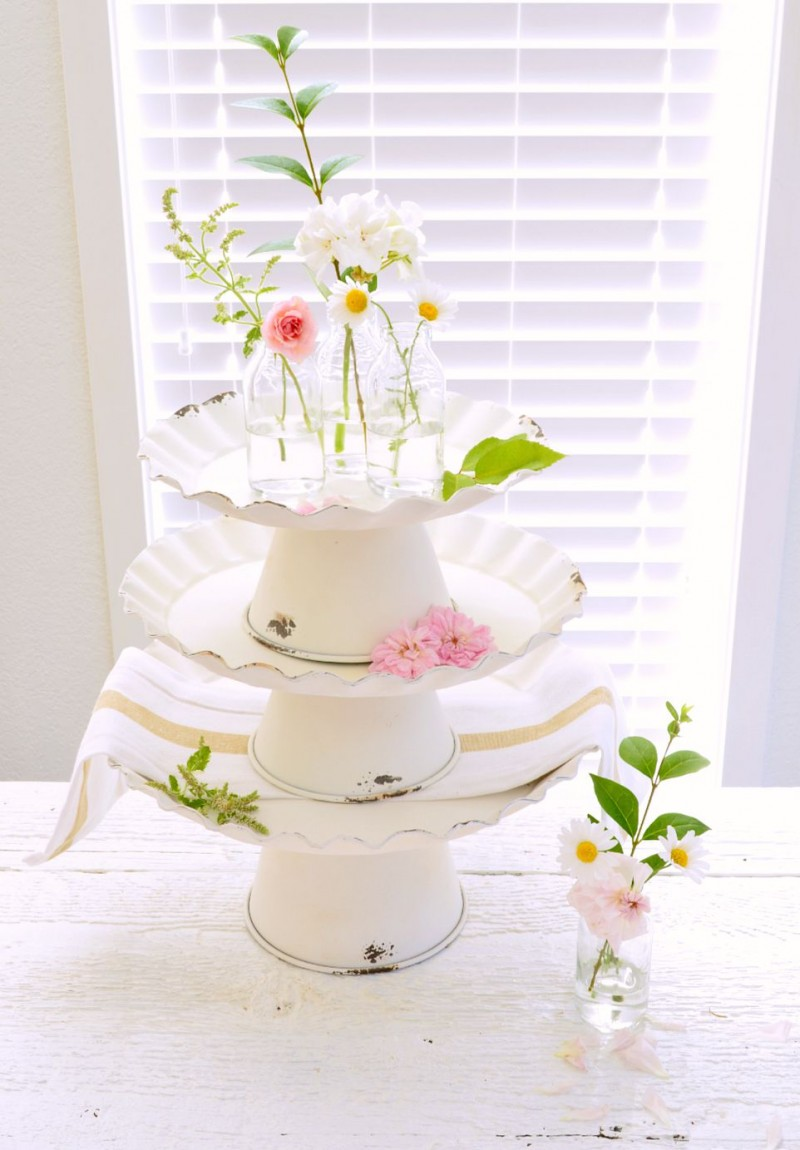 decorative cake stands for wedding cakes vintage cottage cake stand decorating ideas 13435