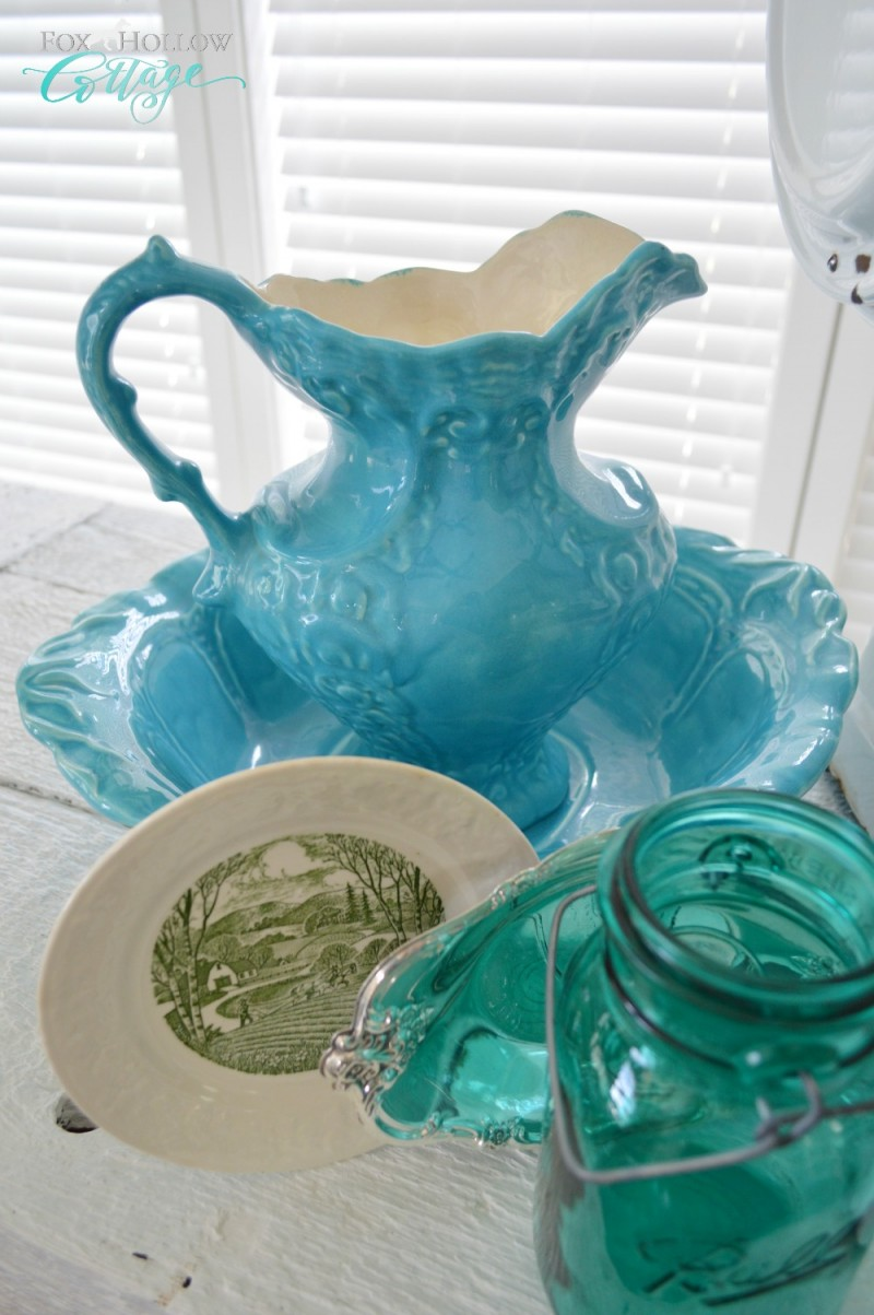 Home Decor at Vintage 101 via foxhollowcottage.com -