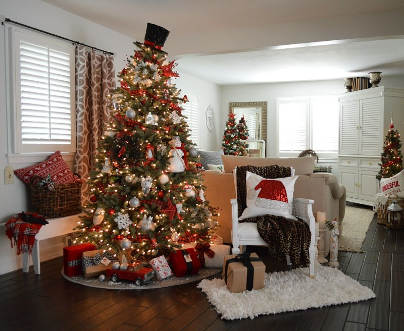 12 Bloggers of Christmas with Balsam Hill - Fox Hollow Cottage, Classic Holiday Home Decorating in Buffalo Check Plaid, Snowmen & Assorted Ornaments