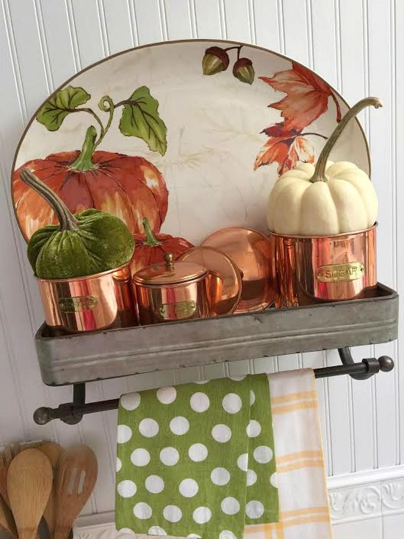 Better Homes and Garden Pumpkin Plater