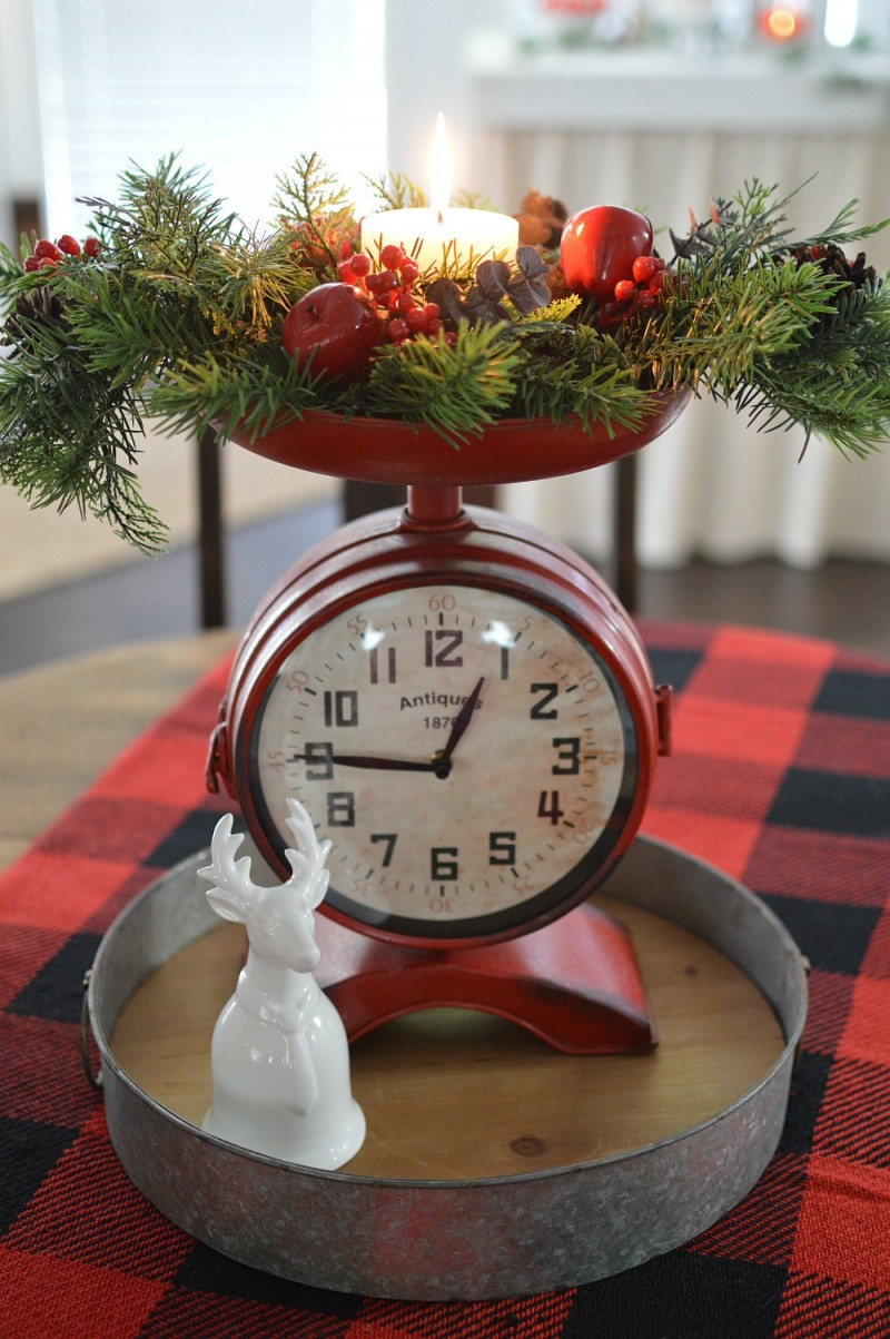 Clock Scale in Red - Cottage Christmas Home Tour #CLChristmasTour