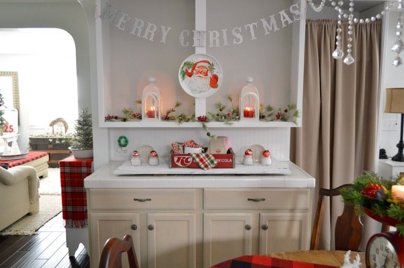 Cottage Christmas Home Tour - #CLChristmasHome Open Shelves-Vintage Santa Face-Silver Glitter Merry Christmas Garland - foxhollowcottage.com