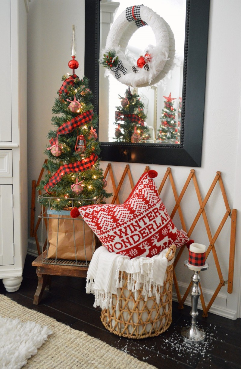 Cottage Christmas Home Tour with Country Living - Vintage Egg Crate and Table Top Tree