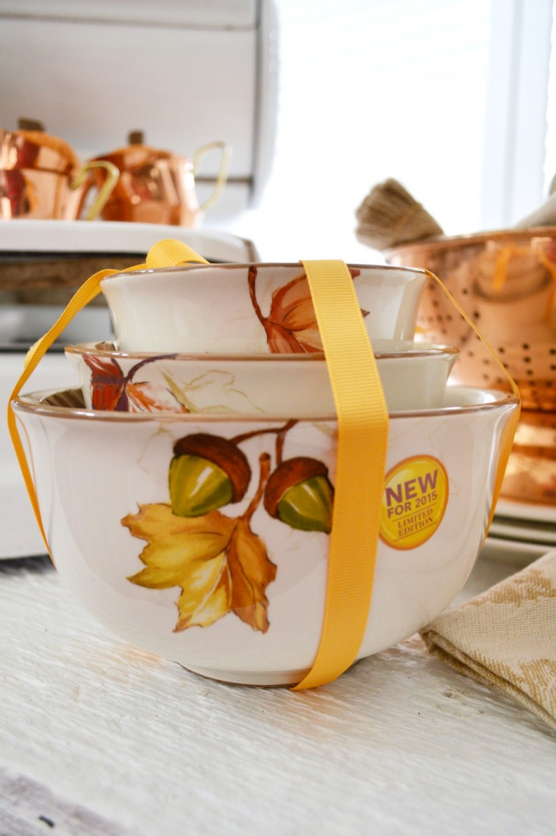 @bhglivebetter at Walmart Thanksgiving Harvest Autumn Fall Accorn Oak Leaf Searving Bowl Set #sponsored @bhg