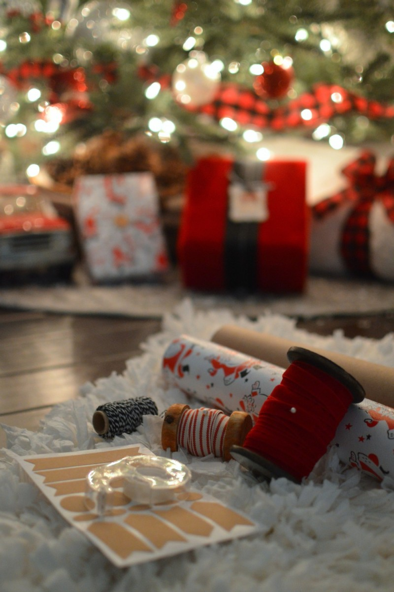 Wrapping paper and ribbons - Christmas at Fox Hollow Cottage