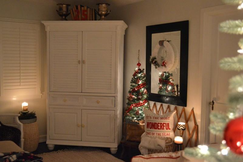 3 Cozy Cottage Nighttime Christmas Lights Tour