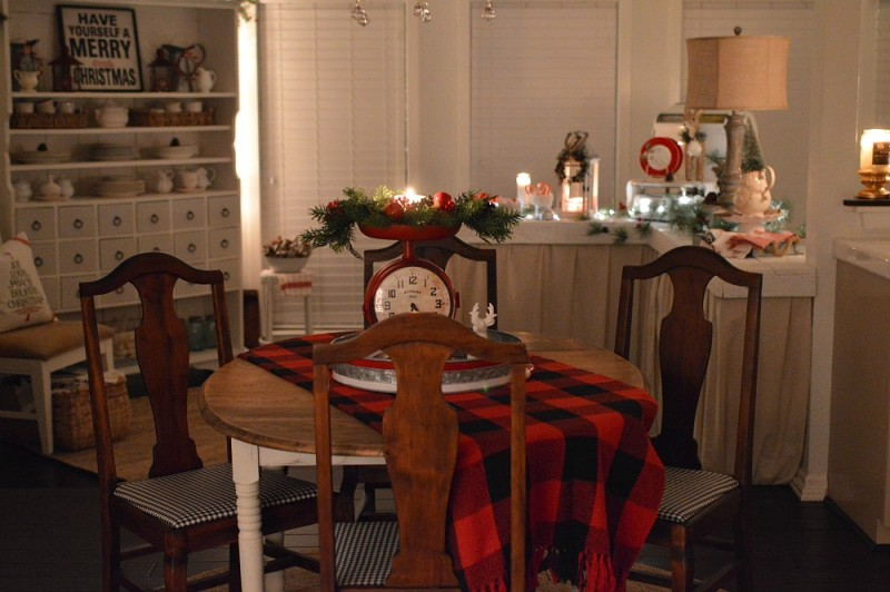 4 Cozy Cottage Nighttime Christmas Lights Tour