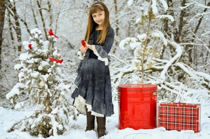Tips on How To Photograph Your Children For Christmas Cards by Cami at Tidbit | A Fox Hollow Cottage #foxhollowfridayfavs Instagram feature