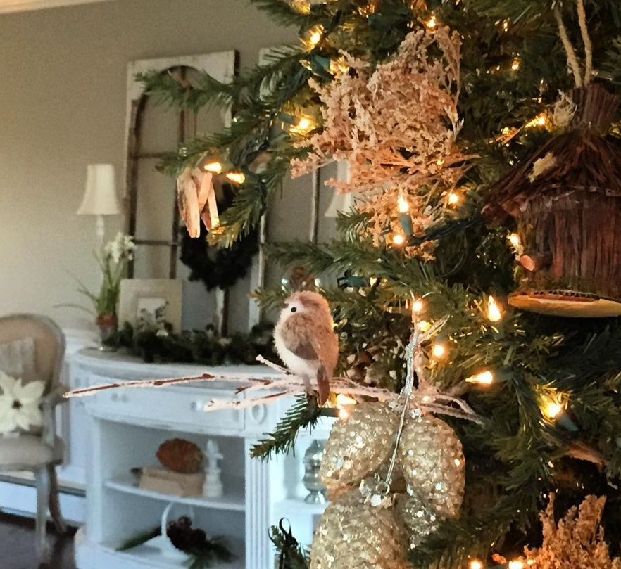 Pretty rustic woodland Christmas tree by Old Castle Cottage | A Fox Hollow Cottage #foxhollowfridayfavs Instagram feature