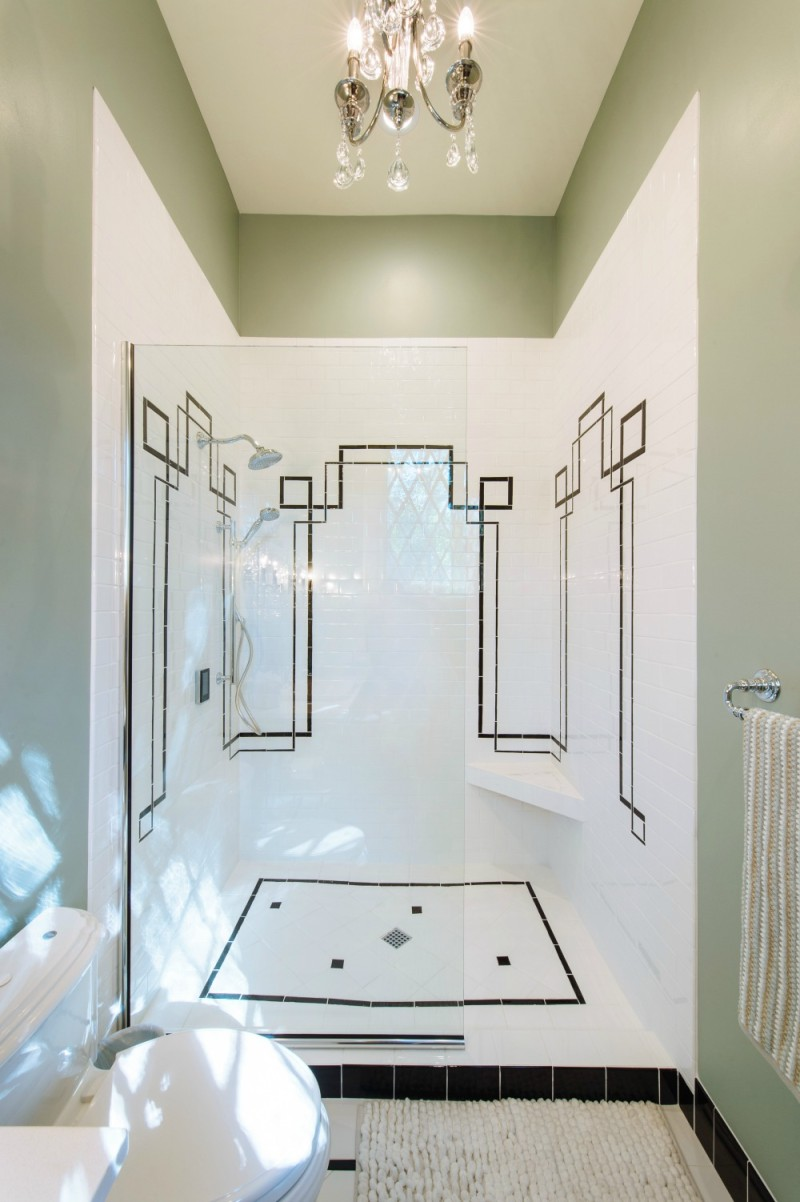 Southern-Romance-House.-Historic-Home-Renovation-in-Mobile-Alabama.-Black-and-White-Tile-Bathroom-Shower