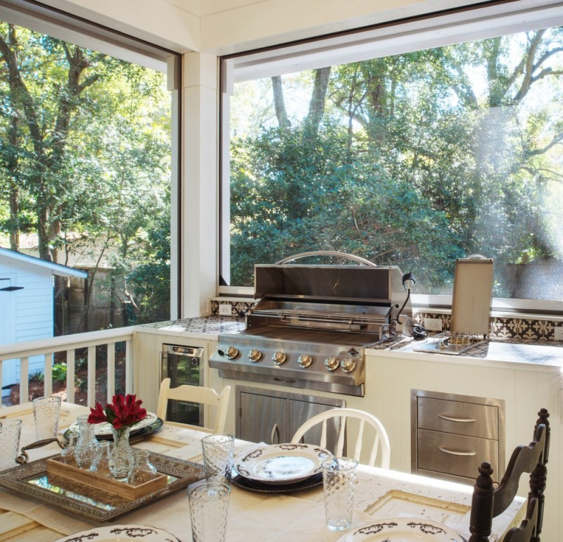 Built-in-stainless-steel-BBQ-grill. Outdoor entertaining covered porch