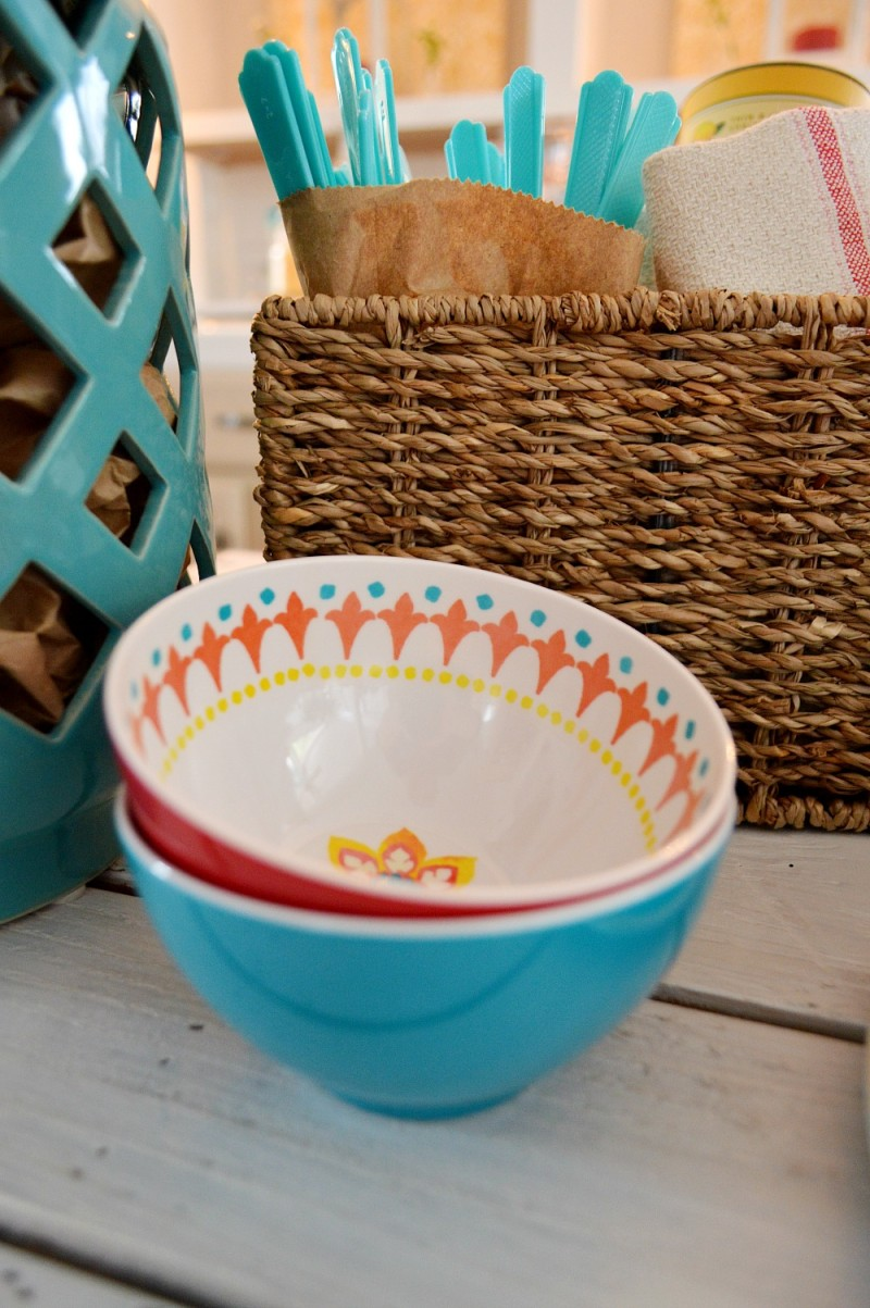 Mini melamine bowls in aqua + red - Perfect for dips, small servings, taco fixins or scoop of ice cream - indoor outdoor - shatterproof