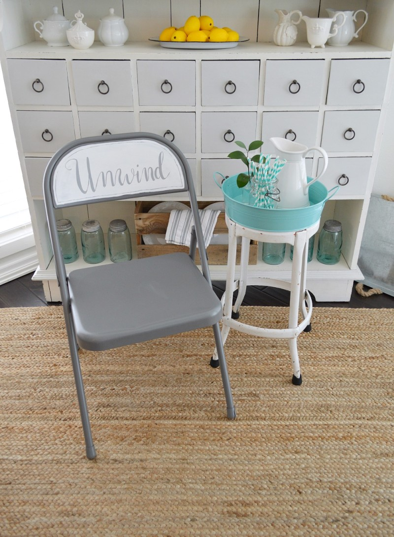FOLDING CHAIR MAKEOVER - spray + chalk paint handlettered unwind
