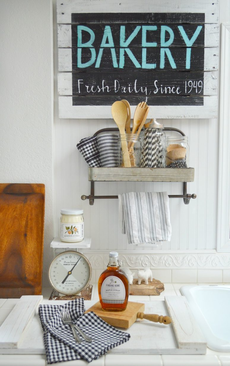 Farmhouse Kitchen BAKERY sign - foxhollowcottage.com - Cottage Kitchen DIY Reaclaimed Pallet Wood Wall Art