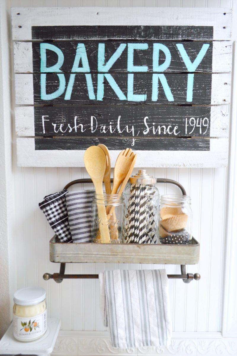 Farmhouse Kitchen Decor Fresh Daily 1949 BAKERY Sign - foxhollowcottage.com - DIY Reclaimed Pallet Wood Wall Art in Black & White w/Aqua!