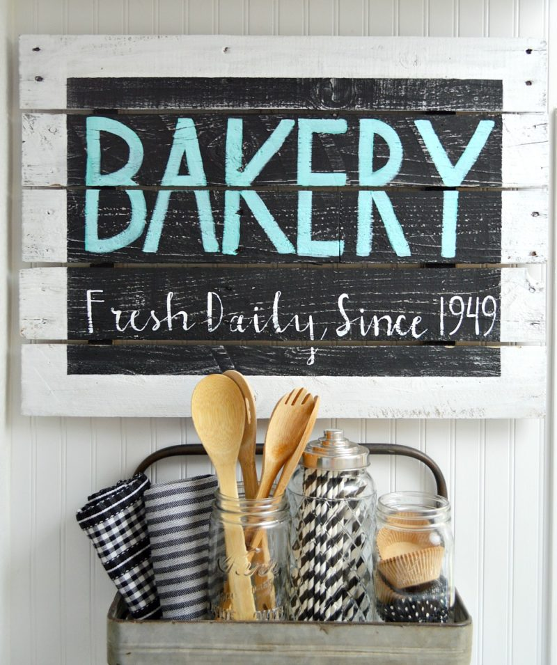 Freehand lettered BAKERY reclaimed pallet wood sign - foxhollowcottage.com - Farmhouse Cottage DIY Kitchen Wall Art