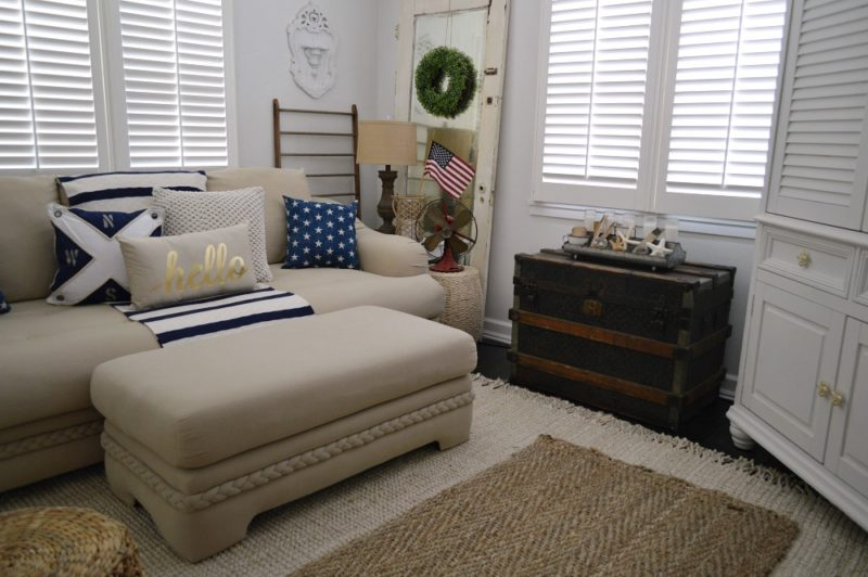 Red, white and blue summer cottage decorating - Copy