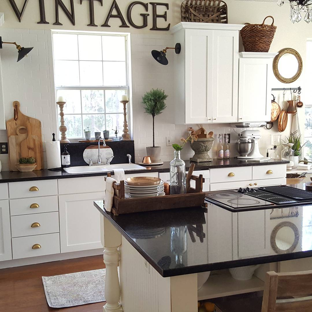 Farmhouse Kitchen Cabinets: Cottage Farmhouse Features From #foxhollowfridayfavs