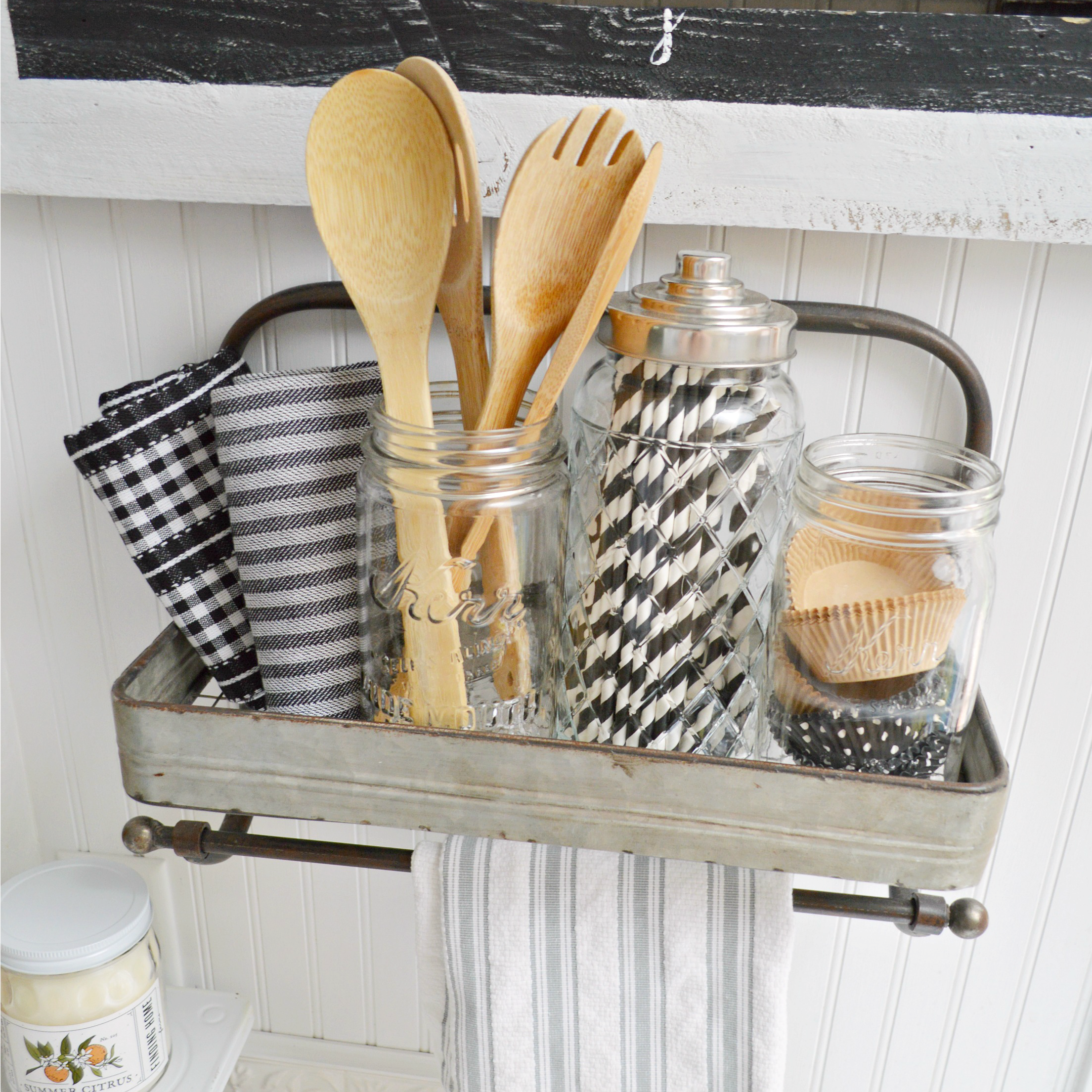 Kitchen Metal Wall Decor: Cottage Farmhouse Metal Shelf Rack