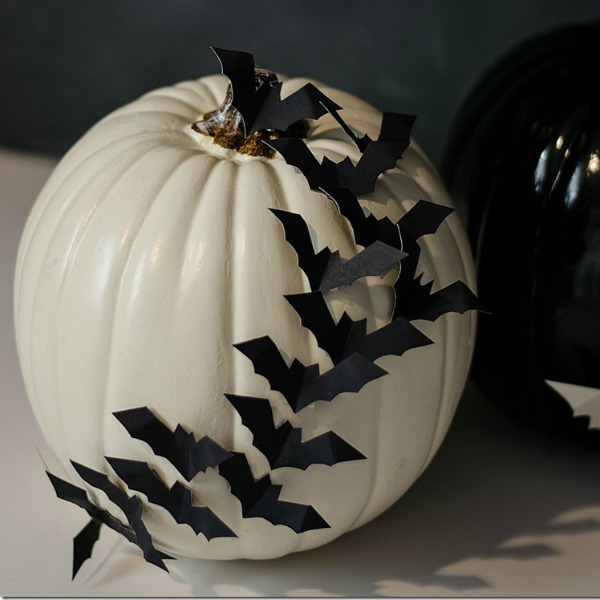 batty-pumpkin, 31 Fabulous Pumpkin Decorating Ideas