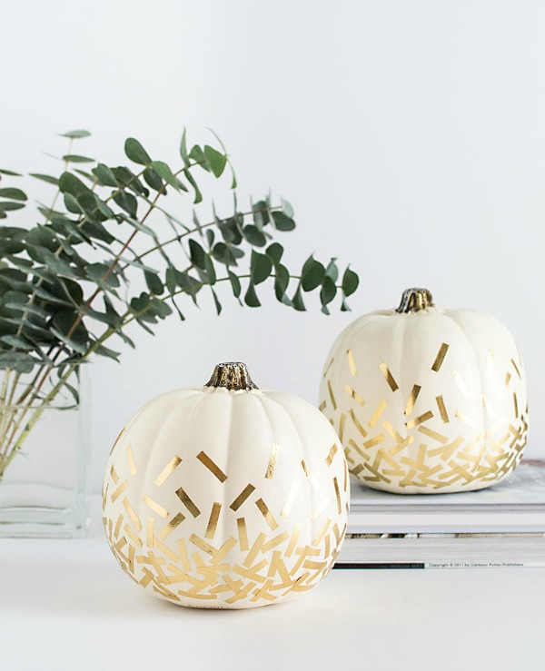 diy-gold-confetti-pumpkins, 31 Fabulous Pumpkin Decorating Ideas
