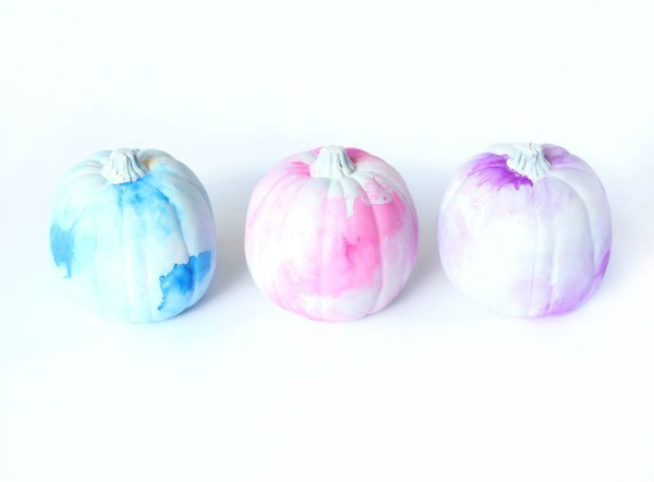 diy-watercolor-pumpkins, 31 Fabulous Pumpkin Decorating Ideas