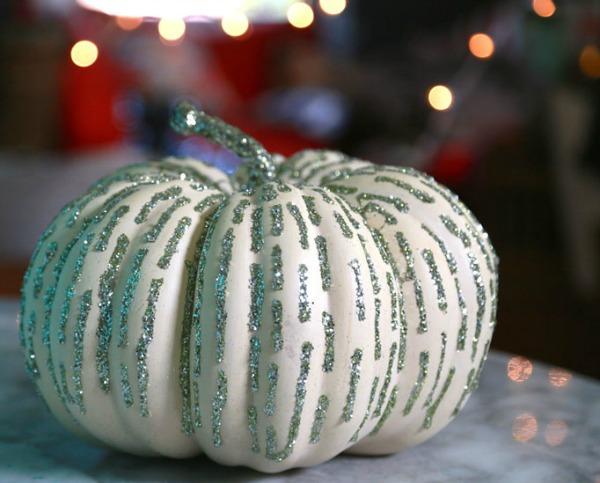easiest-glitter-pumpkins, 31 Fabulous Pumpkin Decorating Ideas
