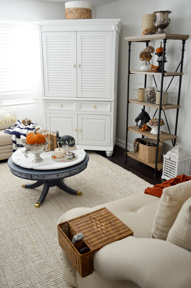 easy-fall-living-room-decorating-ideas-10