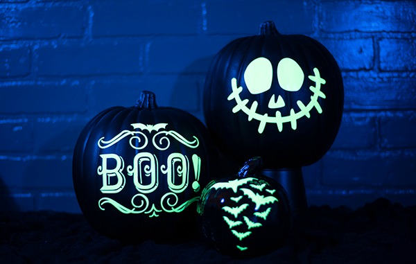 glow-in-the-dark-vinyl-pumpkins, 31 Fabulous Pumpkin Decorating Ideas