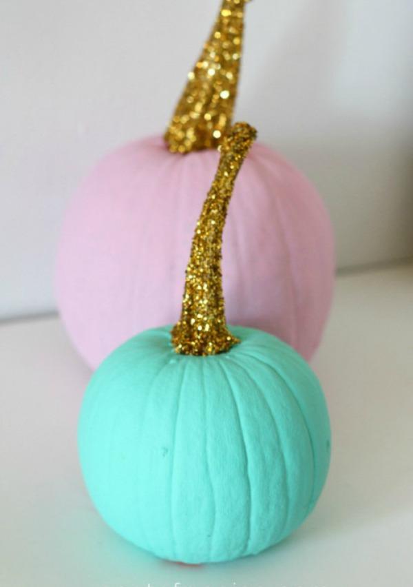 watercolor-and-gold-stem-pumpkins, 31 Fabulous Pumpkin Decorating Ideas