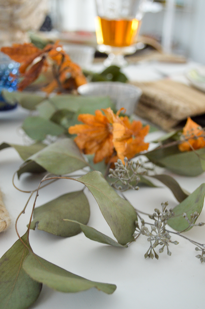 Budget and Beginner Friendly Thanksgiving Table | Natural dried botanical centerpiece