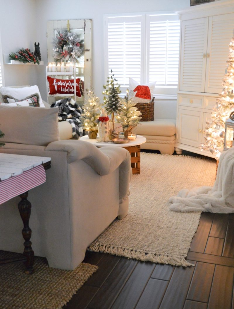 Cozy Cottage Christmas Living Room Home Tour