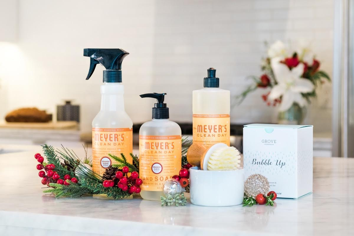 www.foxhollowcottage.com Mrs Meyer's Holiday Scent Free Set Offer