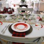 Cottage Farmhouse Christmas Dining Room