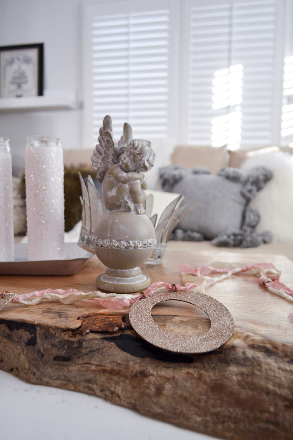 DIY a Live Edge Maple Wood Slab into a Table Charger for Beautiful Layering and Easy Farmhouse Style.