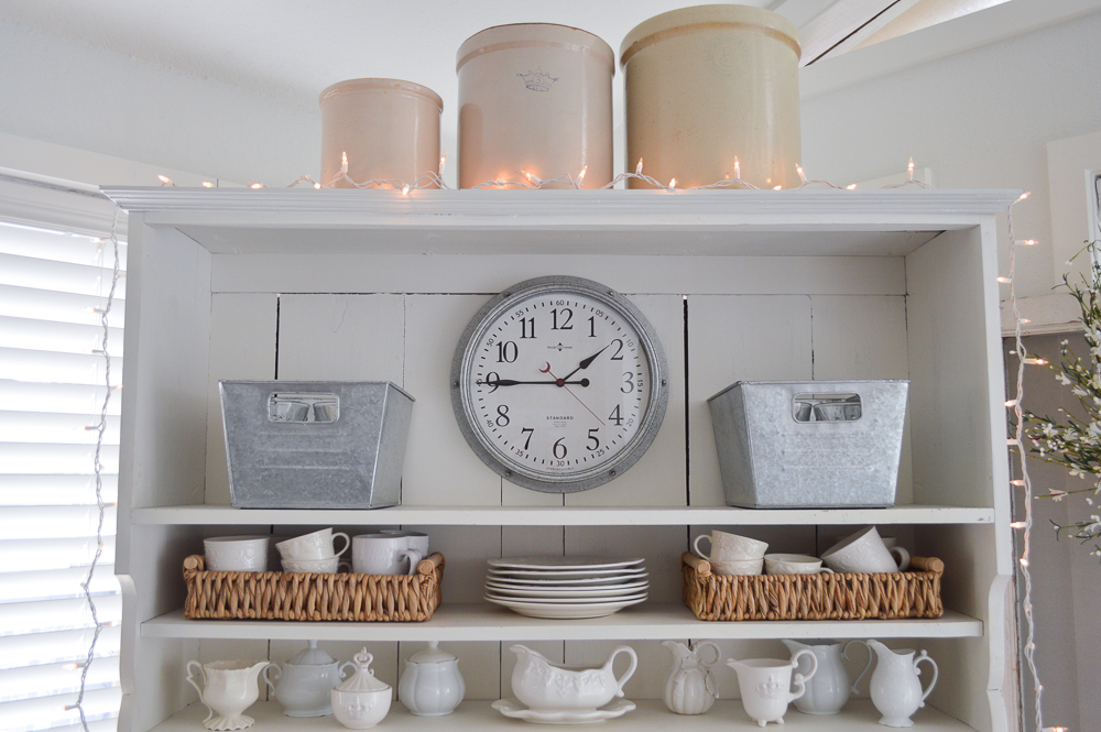 Dreaming of Spring Entertaining with BHG | The Better Homes and Gardens line is bursting with galvanized metal goods that are so versatile, and super affordable too! Come see the home decor that works for farmhouse, cottage and vintage lovers alike!